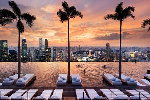Marina bay sands singapour la piscine la plus haute du for La plus belle piscine