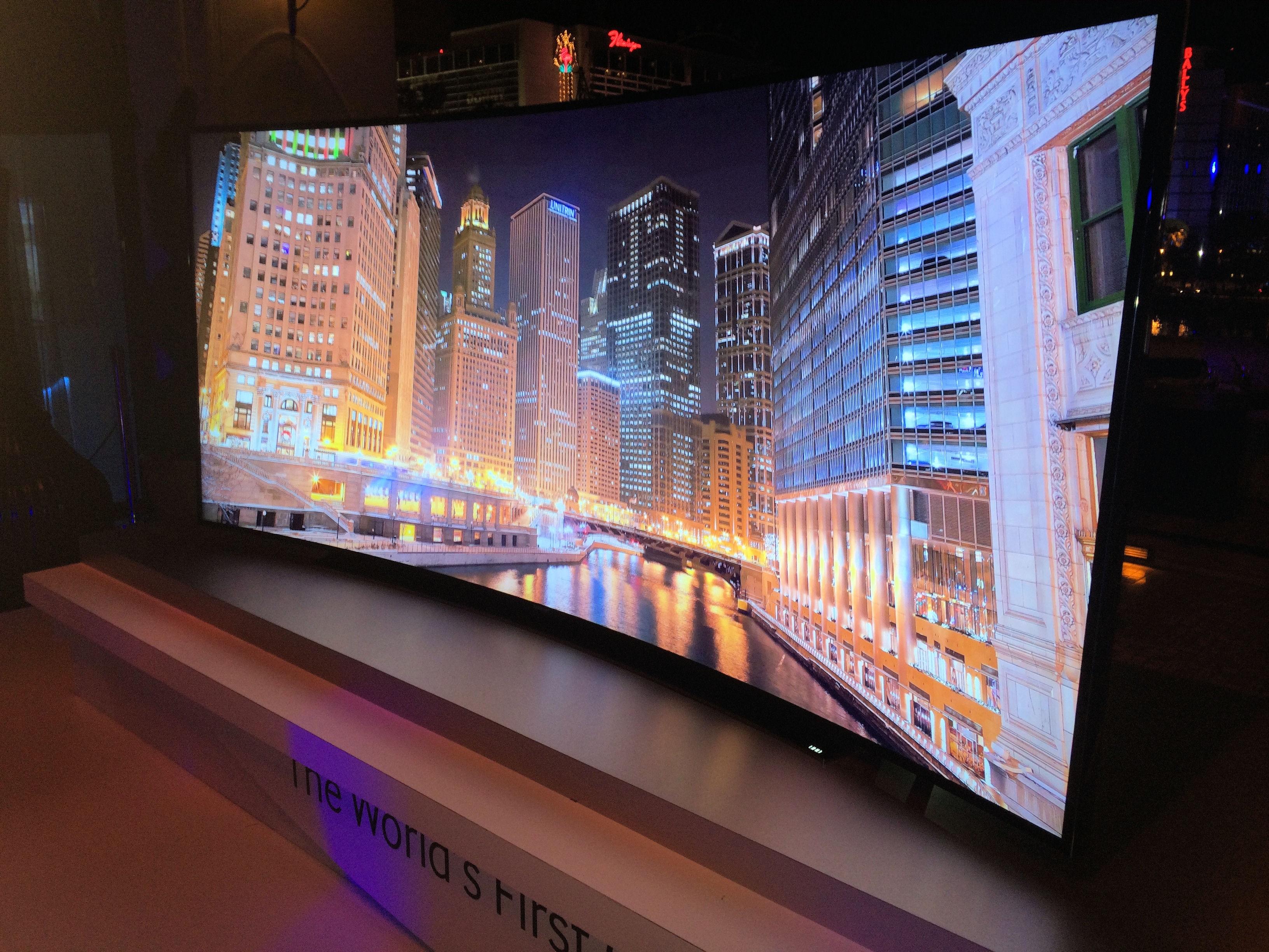 Samsung  La première TV UHD de 105 pouces incurvée -> Plasma De Luxe
