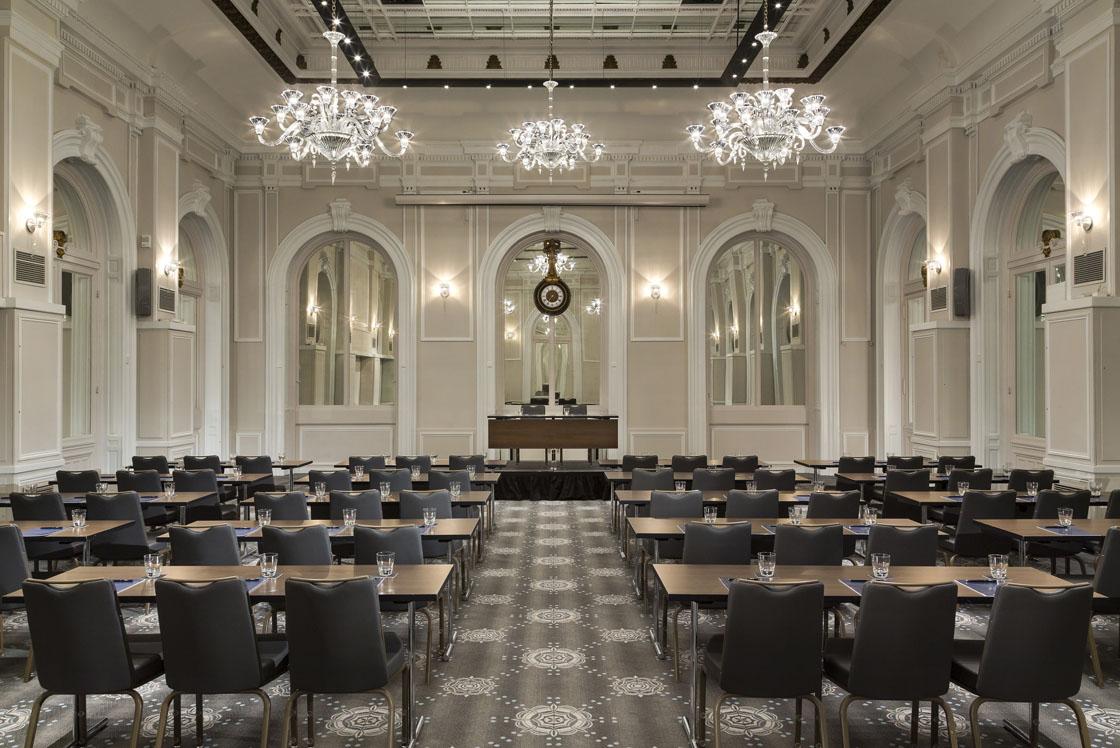 Hilton paris op ra le nouvel h tel re oit des critiques logieuses - Le nouvel hotel paris ...